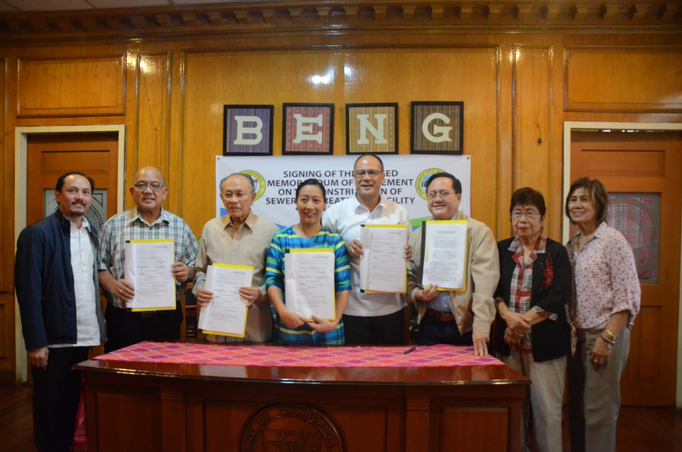 (From left to right) ZCWD CorPlan Department Manager Michael Angelo M. Carbon, Councilor Cesar M. Jimenez, City Legal Officer Jesus C. Carbon, Mayor Maria Isabelle G. Climaco, ZCWD General Manager Leonardo Rey D. Vasquez, ZCWD Chairperson Edwin M. Caliolio, ZCWD Director Milagros L. Fernandez, M.D., ZCWD Director Esther G. Orendain during the signing of Revised Memorandum of Agreement on the Construction of sewerage Treatment Facility yesterday
